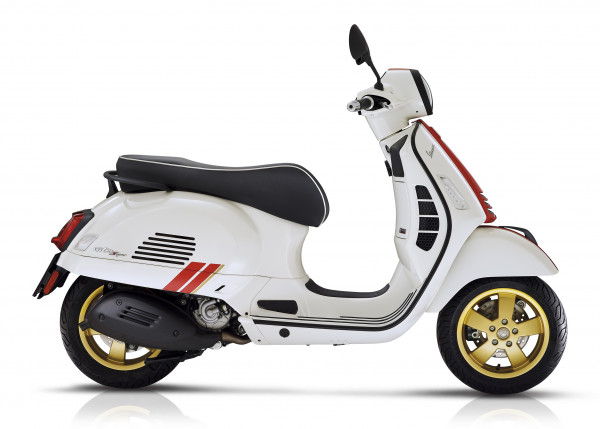 VESPA GTS SUP 300 HPE RACING SIX. BIANCO